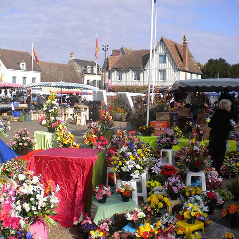 St. Pierre sur Dives, maandagochtend markt